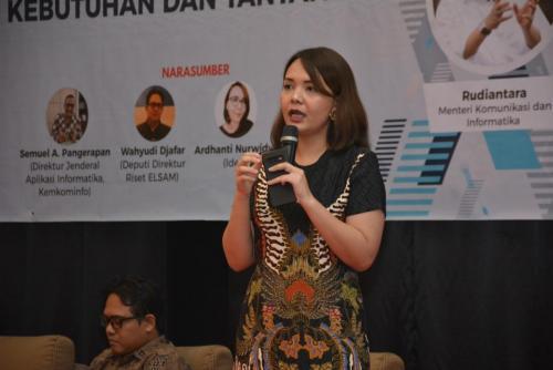 Ardhanti Nurwidhia saat memberikan paparan dalam workshop Menumbuhkan Kesadaran Perlindungan Data Pribadi  Kebutuhan dan Tantangan
