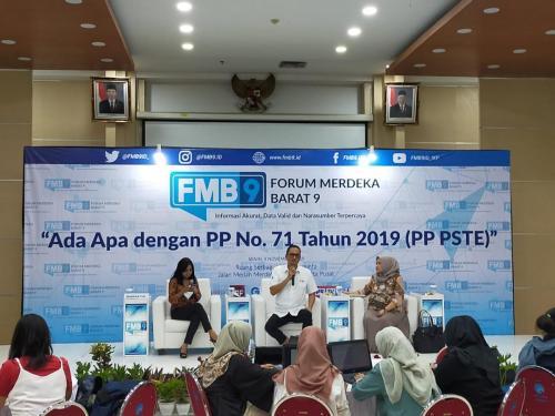 Dirjen Aptika, Semuel A Pangerapan saat acara FMB 9 dengan tema Ada Apa dengan PP 71 Tahun 2019 (PP PSTE)