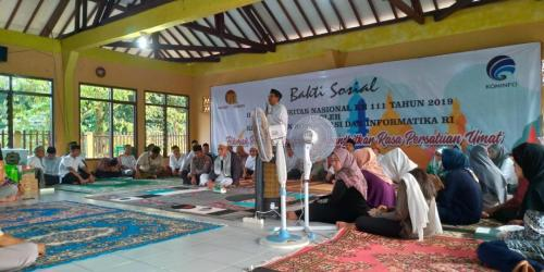 Dirjen SDPPI Ismail memnerikan sambutan pada Bakti Sosial