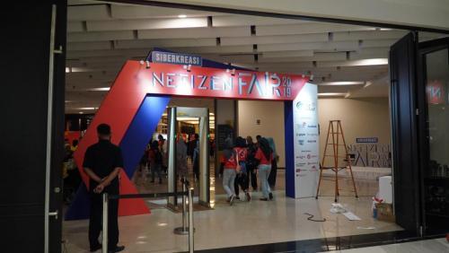 Gerbang masuk  acara Siberkreasi Netizen Fair 2019