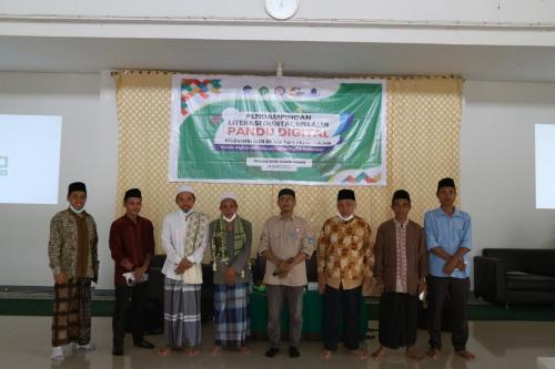 Pendampingan Pandu Digital di Pesantren Thohir Yasin