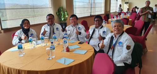 Jajaran Pejabat Eselon 2 di lingkungan Ditjen Aptika berfoto bersama di acara Rapat Kerja Kominfo 2020 di Labuan Bajo