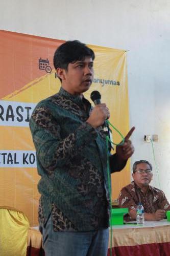 Kasubdit Pemberdayaan Kapasitas TIK Aris K saat paparan di acara Literasi Digital dan Juguran Blogger