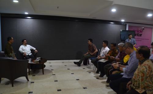 Para peserta konferensi pers PKS mengenai Sinergi Penataan Media Siber Dalam Rangka Penegakan Kemerdekaan Pers.