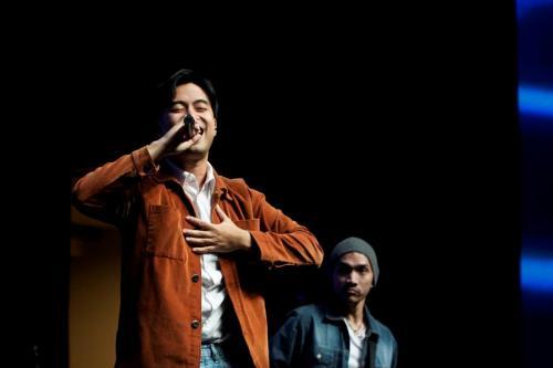 Penyanyi muda Indonesia Vidi Aldiano turut menyumbangkan lagu dalam acara Siberkreasi Netizen Fair 2019