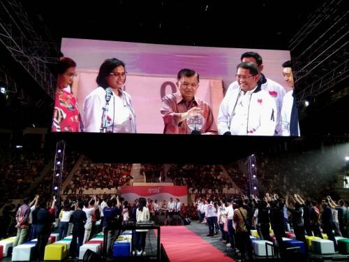 Wakil Presiden Republik Indonesia Jusuf Kalla (tengah) saat secara resmi membuka Ignite The Nations 1000 Startup Digital