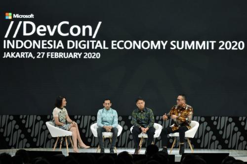 Selain sambutan dari Presiden RI Jokowi, ada juga Talk Show Menteri dan Pejabat Eselon 1