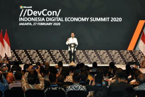 Presiden RI, Joko Widodo saat memberikan keynote speech pada acara Digital Economy Summit 2020 (27/02) 2