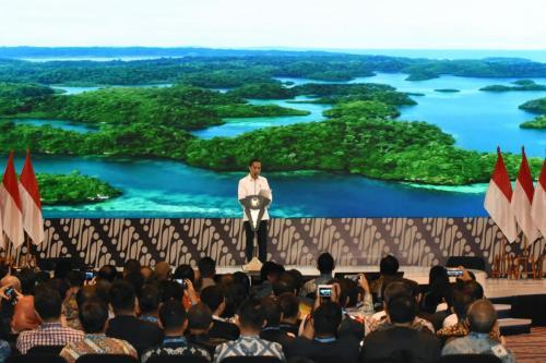 Presiden RI, Joko Widodo saat menampilkan rencana design Ibu Kota Indonesia yang baru