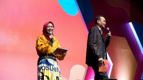 Youtuber Ria Ricis dan Cak Lontong ikut meramaikan acara